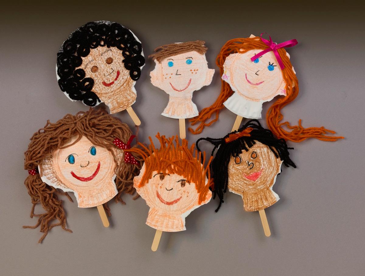 Puppets \u0026 Pals craft. Turn plain paper plates ... & Puppets \u0026 Pals Craft | crayola.com