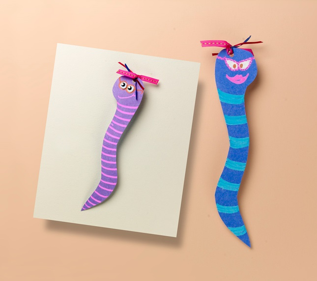 craft ideas for making bookmarks bookmarks for bookworms craft crayola 6203