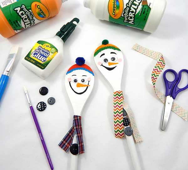 Wooden Spoon Snowmen Craft | crayola.com
